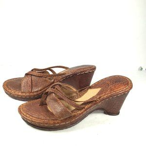 Born Wedge Thong Sandals Brown Size 9